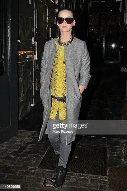 Singer Katy Perry poses as she leaves the 'L'Eclaireur' fashion store on March 4, 2012 in Paris, France.