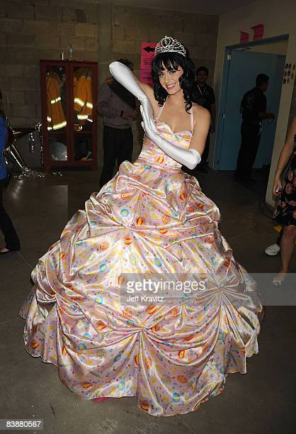 Singer Katy Perry poses backstage at the 7th Annual Los Premios MTV Latin America 2008 Awards held at the Auditorio Telmex on October 16 2008 in...