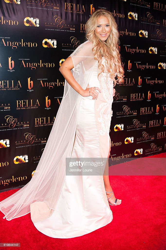 Singer Kaya Jones arrives at the 2016 City Gala Fundraiser at The Playboy Mansion on February 15, 2016 in Los Angeles, California.