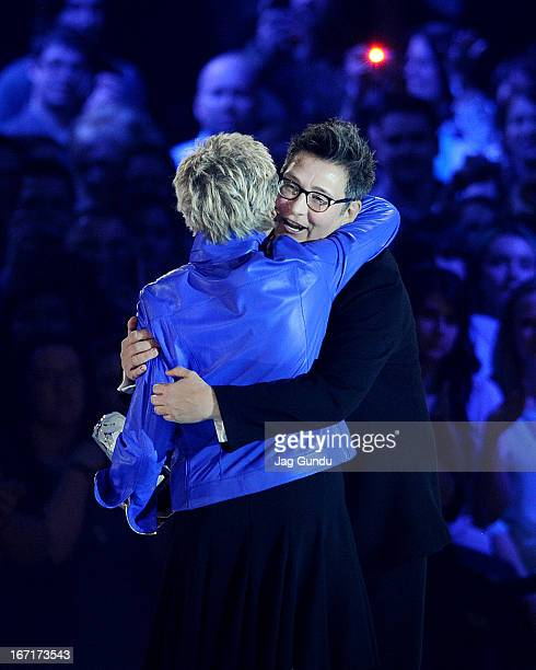 Singer KD Lang welcomed into the Canadian Music Hall of Fame by Anne Murray at the 2013 Juno Awards held at the Brandt Centre on April 21 2013 in...