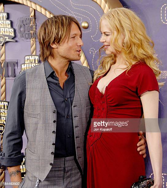 Singer Keith Urban and wife actress Nicole Kidman attend the 2008 CMT Music Awards at the Curb Events Center at Belmont University on April 14 2008...