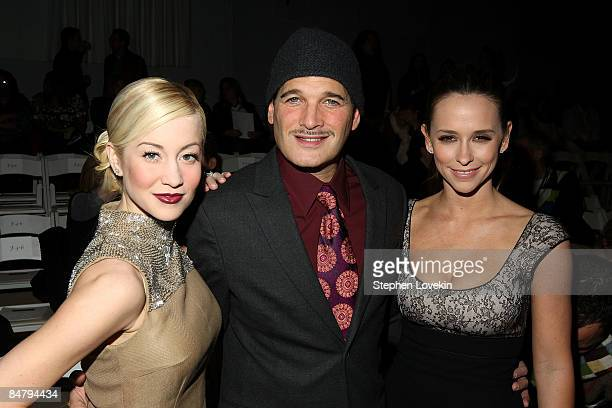 Singer Kellie Pickler Philip Block and actress Jennifer Love Hewitt attend the Edition By Georges Chakra Fall 2009 fashion show during MercedesBenz...