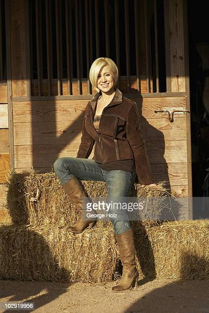 Singer Kellie Pickler poses at a portrait session for People Magazine on January 42008 at the Creekside Riding Academy in Franklin Tennessee