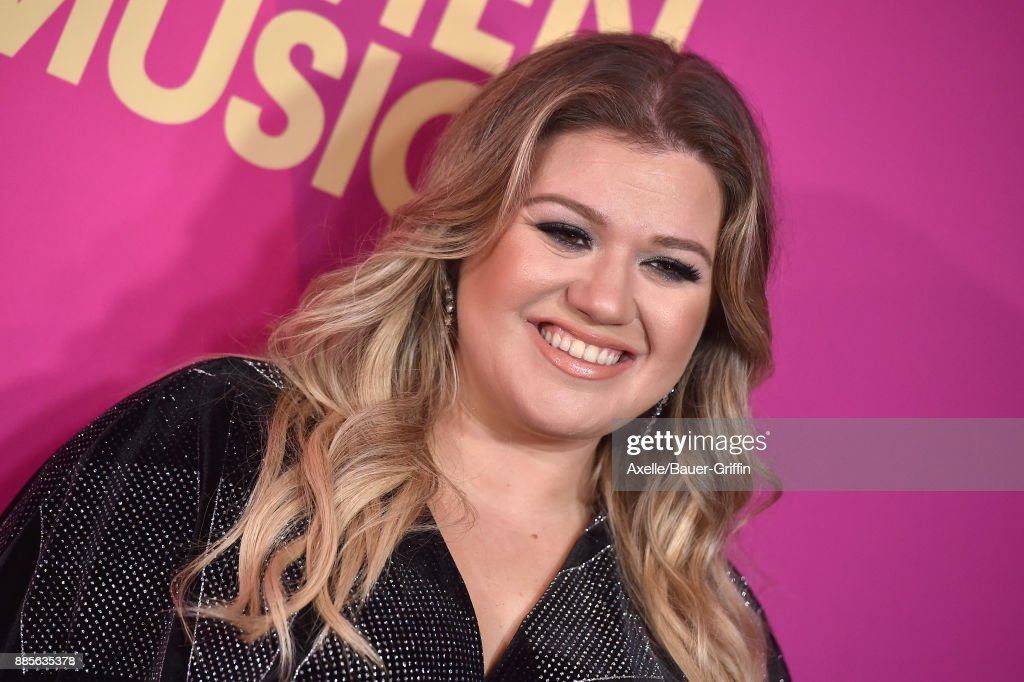 Singer Kelly Clarkson arrives at the Billboard Women In Music 2017 at The Ray Dolby Ballroom at Hollywood & Highland Center on November 30, 2017 in Hollywood, California.