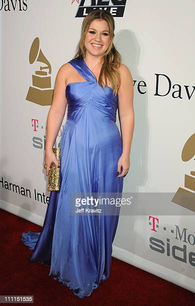 Singer Kelly Clarkson attends the 2009 GRAMMY Salute to Icons honoring Clive Davis at the Beverly Hilton Hotel on February 7 2009 in Beverly Hills...