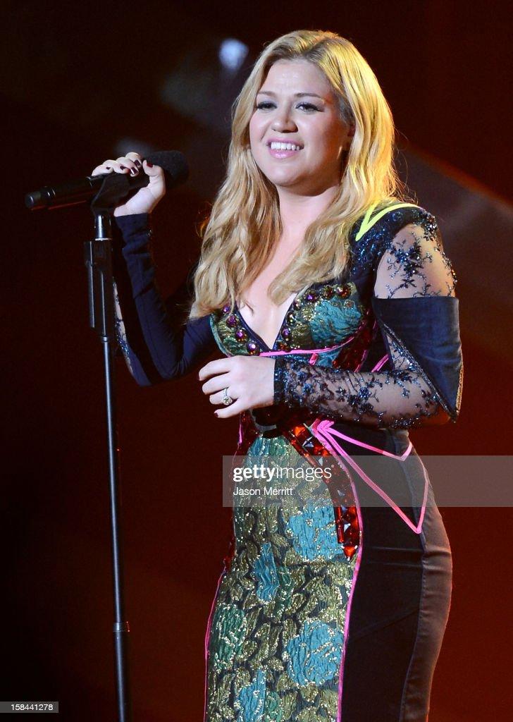 Singer Kelly Clarkson onstage at 'VH1 Divas' 2012 held at The Shrine Auditorium on December 16, 2012 in Los Angeles, California.