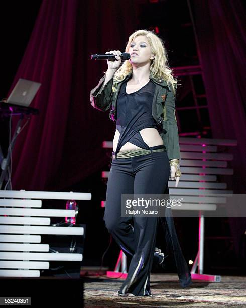 Singer Kelly Clarkson performs at the Hard Rock Live Arena at the Seminole Hard Rock Hotel and Casino on July 14 2005 in Hollywood Florida