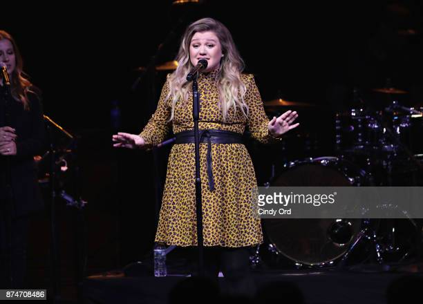 Singer Kelly Clarkson performs for SiriusXM subscribers at Gramercy Theatre on November 15 2017 in New York City