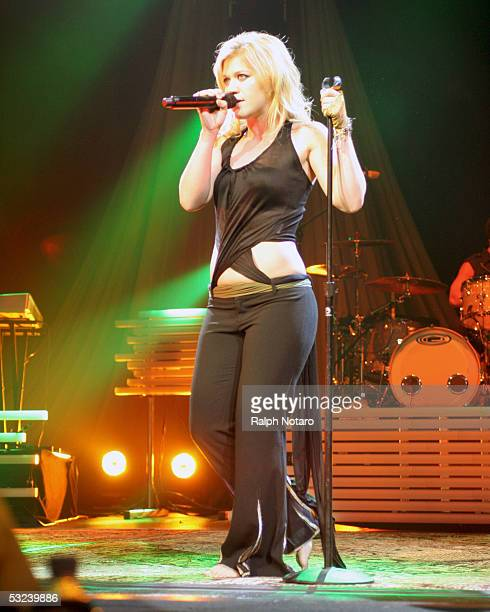 Singer Kelly Clarkson performs in the Hard Rock Live Arena at the Seminole Hard Rock Hotel and Casino on July 14 2005 in Hollywood Florida
