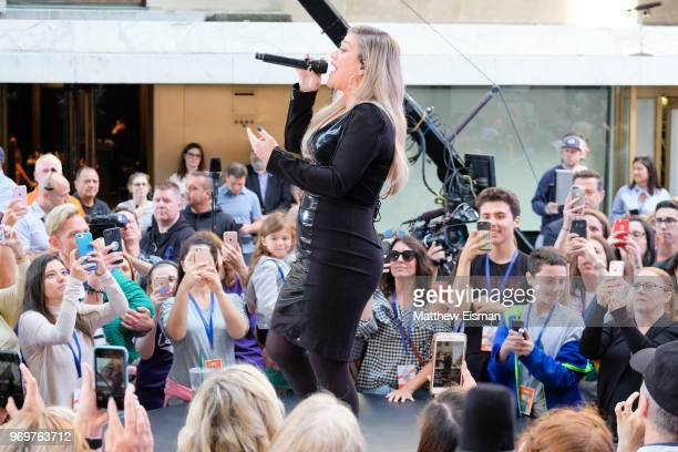 Singer Kelly Clarkson performs live on NBC's Today at Rockefeller Plaza on June 8 2018 in New York City