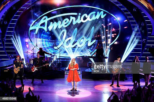 Singer Kelly Clarkson performs onstage at FOX's American Idol XIV Top 8 Revealed on April 1 2015 in Hollywood California