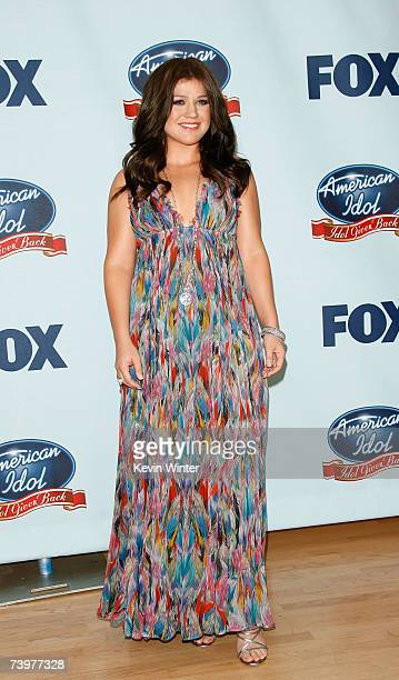 Singer Kelly Clarkson poses in the press room during the 'American Idol Gives Back' held at the Walt Disney Concert Hall on April 25 2007 in Los...