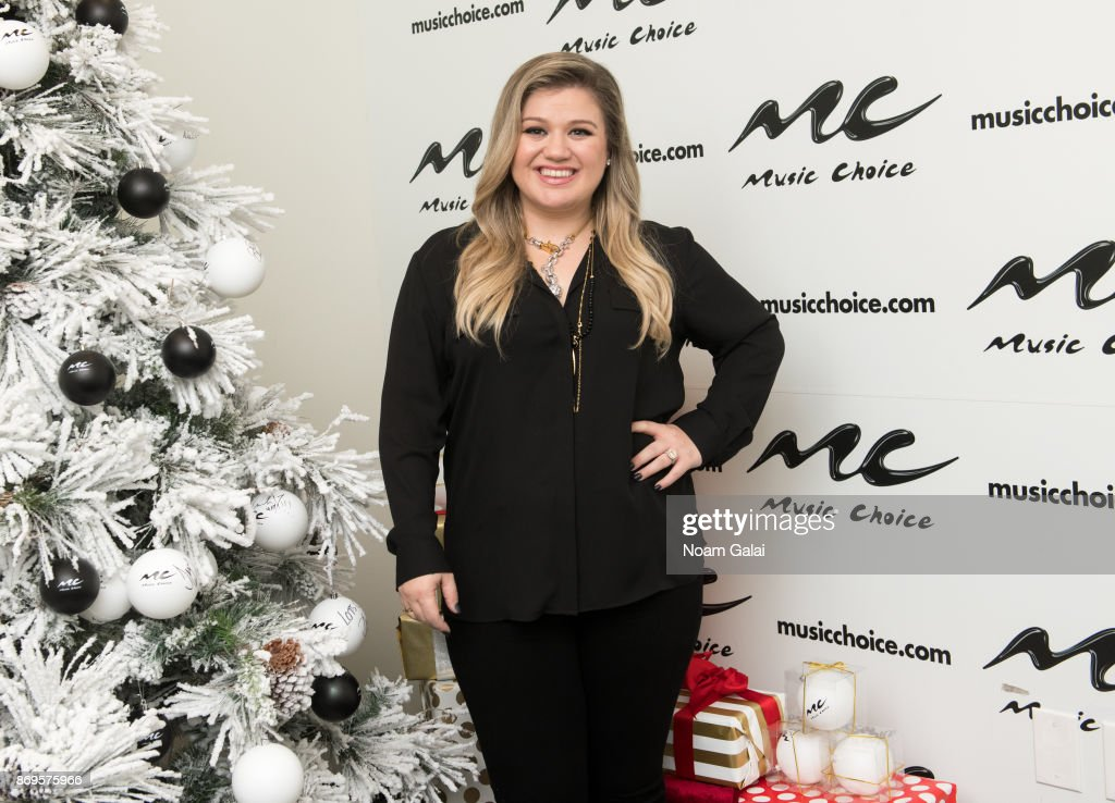 Kelly Clarkson Christmas Eve.Singer Kelly Clarkson Visits Music Choice On November 2 2017 In New