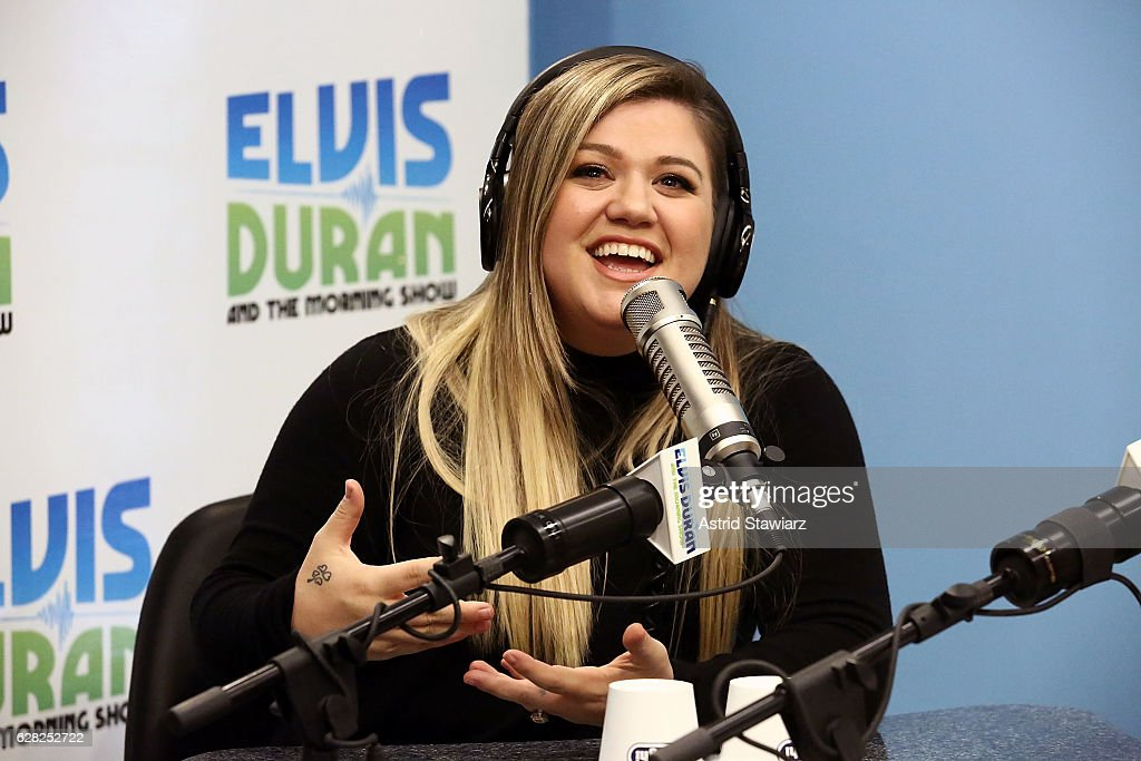 """Kelly Clarkson Visits """"The Elvis Duran Z100 Morning Show"""" : News Photo"""