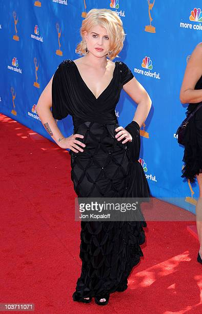 Singer Kelly Osbourne arrives at the 62nd Primetime Emmy Awards at Nokia Plaza L.A. LIVE on August 29, 2010 in Los Angeles, California.