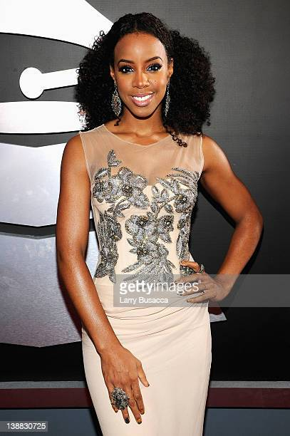Singer Kelly Rowland arrives at the 54th Annual GRAMMY Awards held at Staples Center on February 12, 2012 in Los Angeles, California.