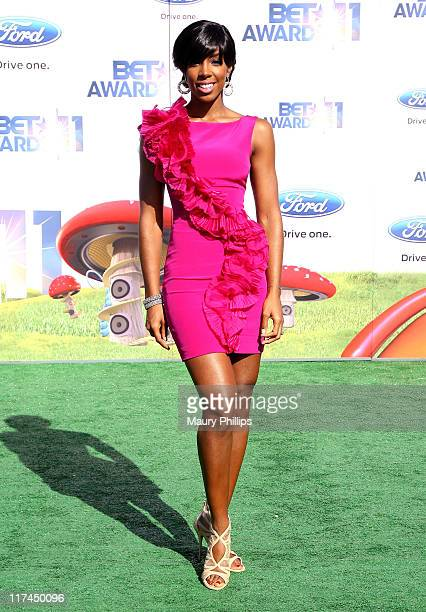 Singer Kelly Rowland arrives at the BET Awards '11 held at The Shrine Auditorium on June 26 2011 in Los Angeles California