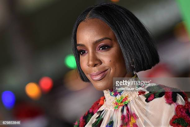 Singer Kelly Rowland arrives at the Los Angeles Premiere of 'Office Christmas Party' at Regency Village Theatre on December 7 2016 in Westwood...