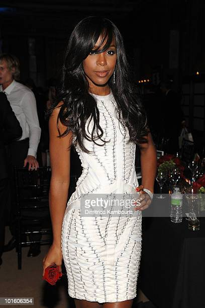 Singer Kelly Rowland Attends Amfar Inspiration Gala At The New York Public Libaray On June 3