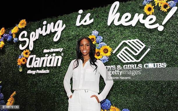 Singer Kelly Rowland attends Claritin and Boys Girls Clubs of America Host Kelly Rowland Live Performance at PS 64 on March 21 2016 in New York City