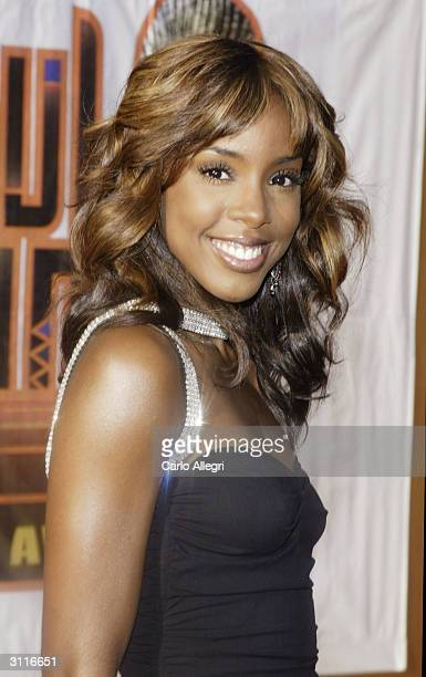 Singer Kelly Rowland attends 'The 18th Annual Soul Train Music Awards' held at the International Cultural Center on March 20 2004 in Los Angeles...