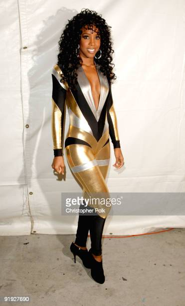 Singer Kelly Rowland backstage at the 'Los Premios MTV 2009' Latin America Awards held at Gibson Amphitheatre on October 15 2009 in Universal City...