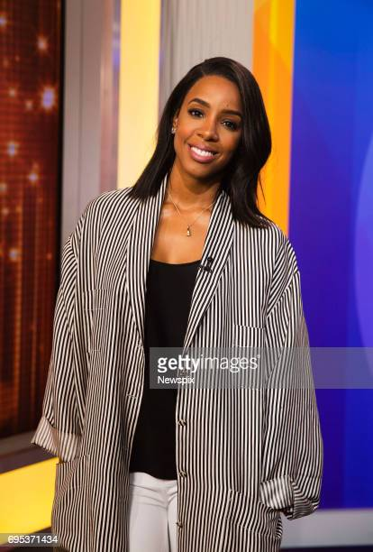 SYDNEY NSW Singer Kelly Rowland during the 8th Annual Gold Telethon at the Channel 9 Studios in Sydney New South Wales