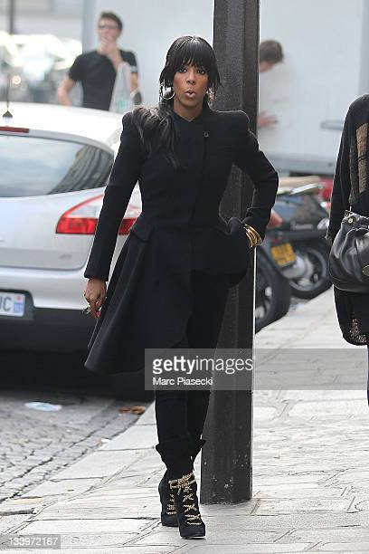 Singer Kelly Rowland is sighted arriving at her hotel on November 23, 2011 in Paris, France.