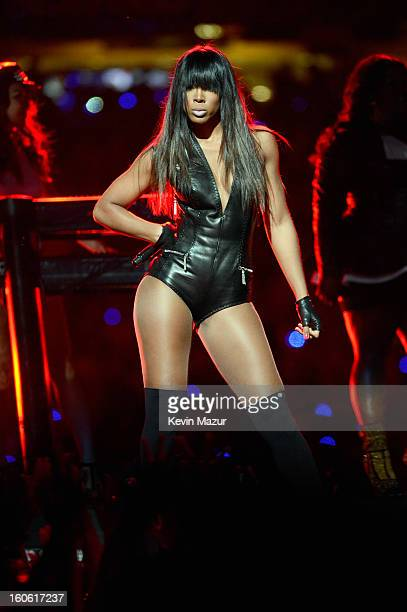 Singer Kelly Rowland of Destiny's Child performs during the Pepsi Super Bowl XLVII Halftime Show at MercedesBenz Superdome on February 3 2013 in New...