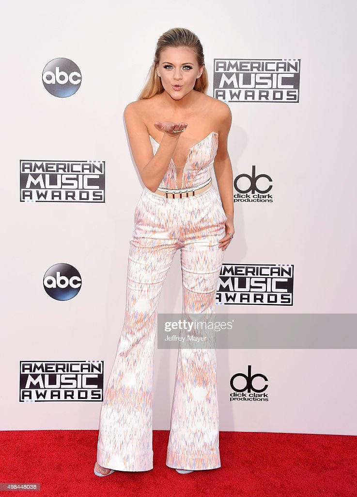 Singer Kelsea Ballerini arrives at the 2015 American Music Awards at Microsoft Theater on November 22, 2015 in Los Angeles, California.