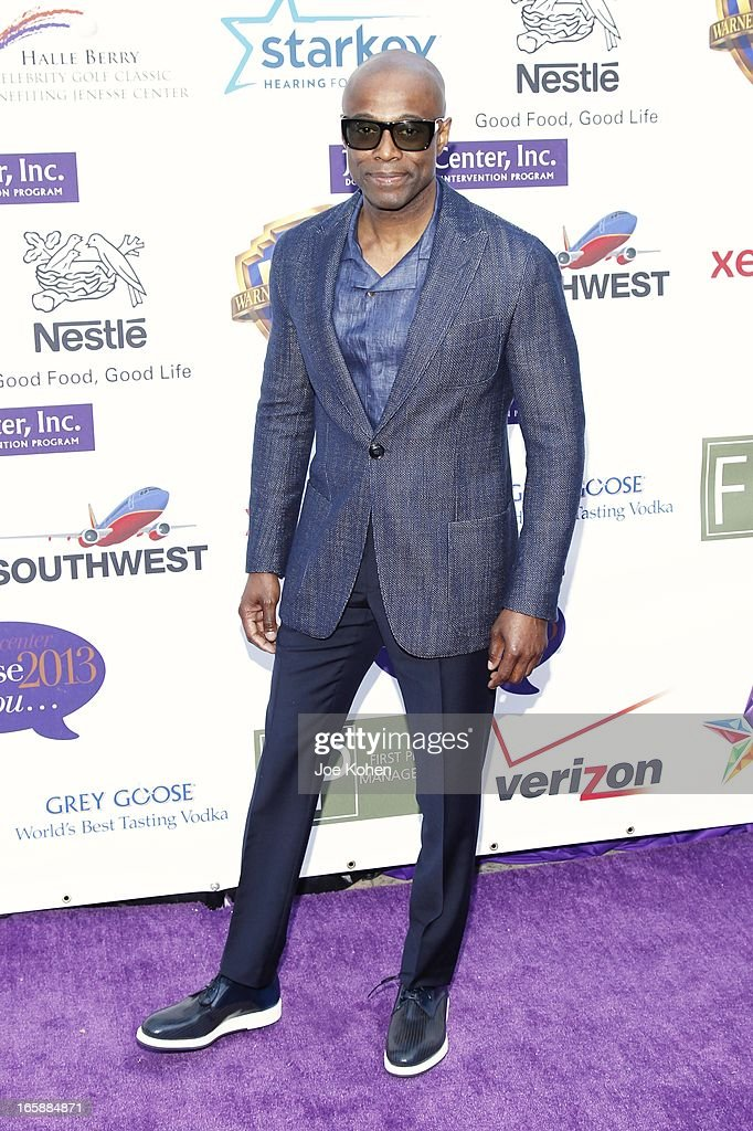 Singer KEM attends the Jenesse Silver Rose Gala and Auction at Vibiana on April 6, 2013 in Los Angeles, California.