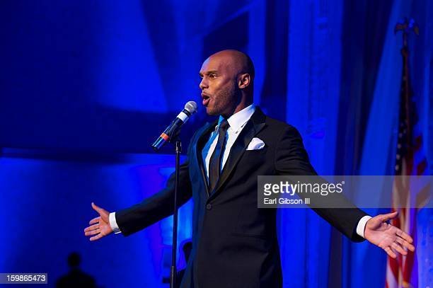 Singer Kenny Lattimore performs at the Congressional Black Caucus 2013 Inauguration Celebration at Capital Hilton on January 21 2013 in Washington...