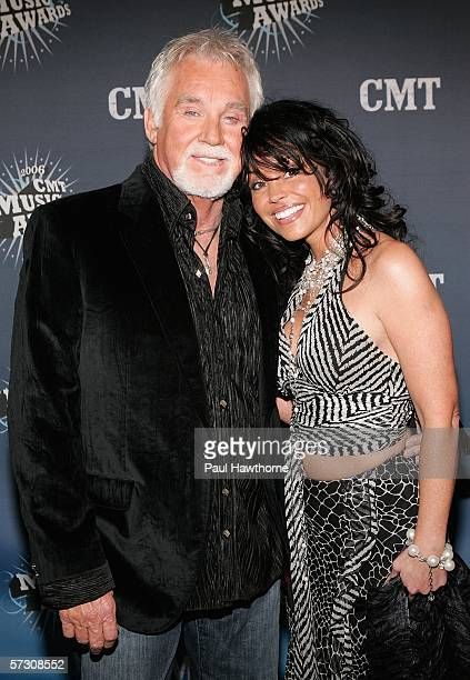Singer Kenny Rogers and his wife Wanda arrive at the 2006 CMT Music Awards at the Curb Event Center at Belmont University April 10 2006 in Nashville...
