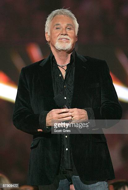 Singer Kenny Rogers appears onstage at the 2006 CMT Music Awards at the Curb Event Center at Belmont University April 10 2006 in Nashville Tennessee