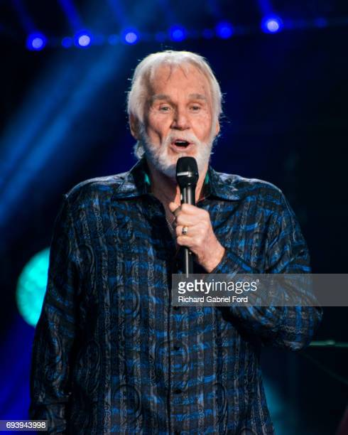 Singer Kenny Rogers performs at Nissan Stadium during day 1 of the 2017 CMA Music Festival on June 8, 2017 in Nashville, Tennessee.