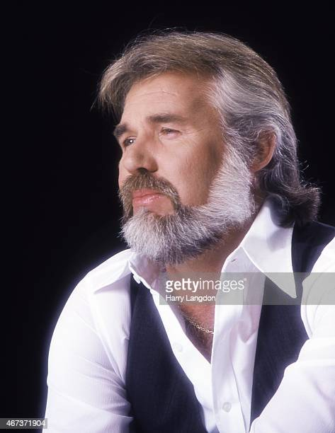 Singer Kenny Rogers poses for a portrait in 1979 in Los Angeles California