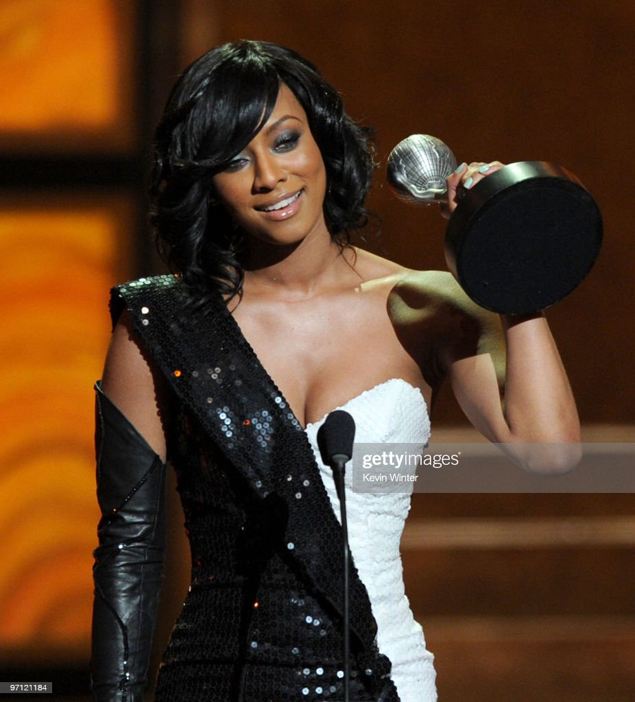 Singer Keri Hilson accepts the Outstanding New Artist award onstage during the 41st NAACP Image awards held at The Shrine Auditorium on February 26, 2010 in Los Angeles, California.