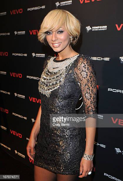 """Singer Keri Hilson arrives at the VEVO and Compound Entertainment Present """"Ne Yo and Friends"""" t the Avalon on November 21, 2010 in Hollywood,..."""