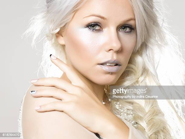 singer-kerli-is-photographed-for-the-unt