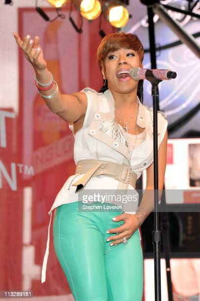 Singer Keyshia Cole performs during the 14th annual Entertainment Industry Foundation Revlon Run/Walk for Women on April 30 2011 in New York City