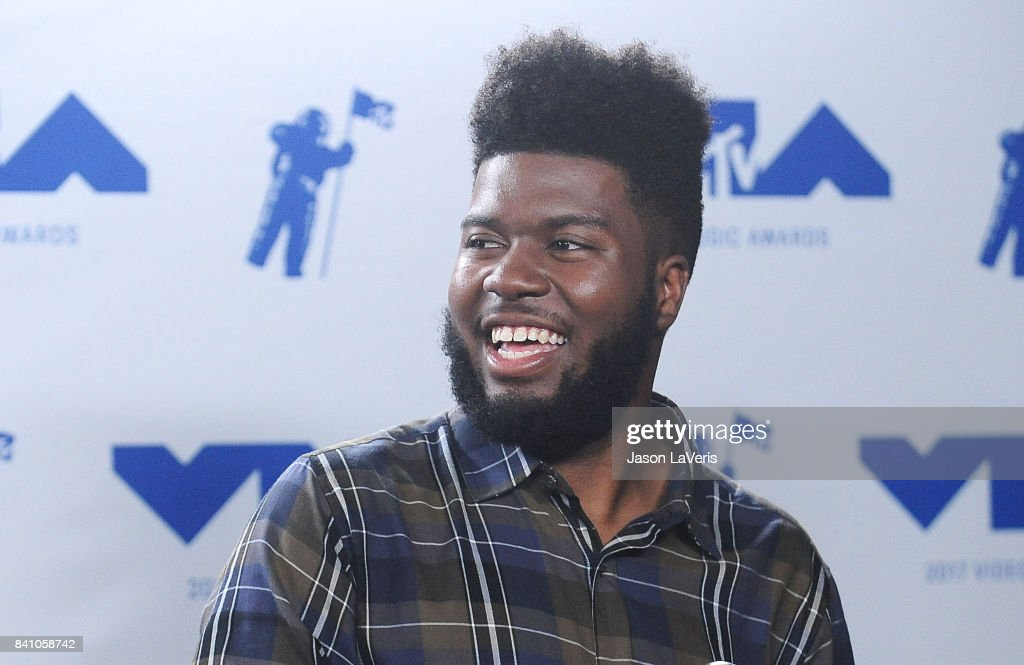 Singer Khalid poses in the press room at the 2017 MTV Video Music Awards at The Forum on August 27, 2017 in Inglewood, California.