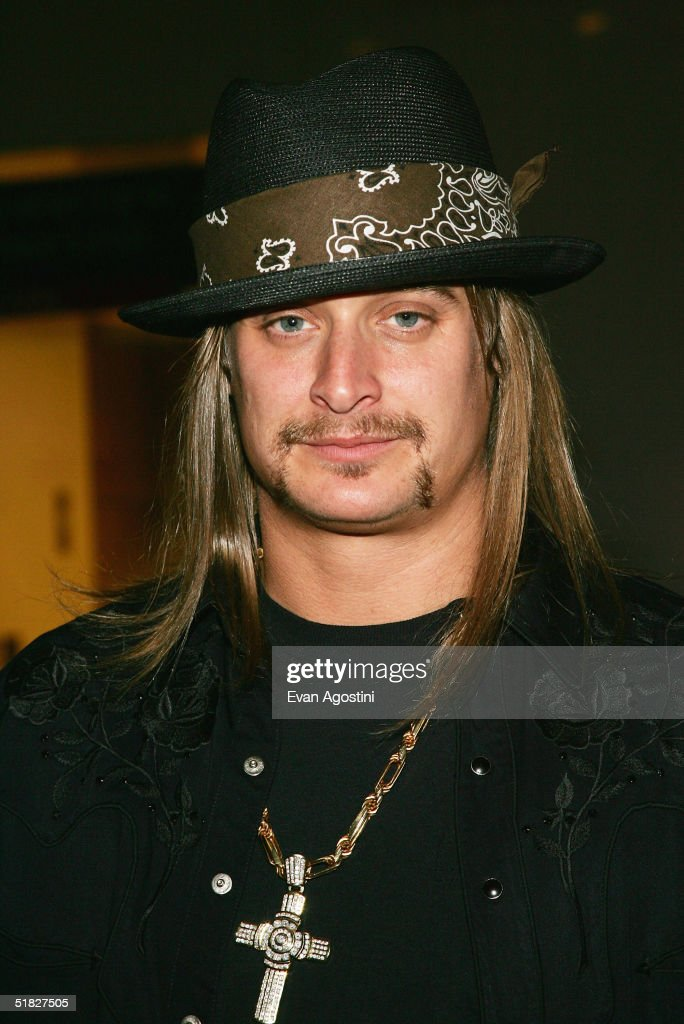 Singer Kid Rock arrives at the 27th Annual Kennedy Center Honors Gala at The Kennedy Center for the Performing Arts December 5, 2004 in Washington, DC.