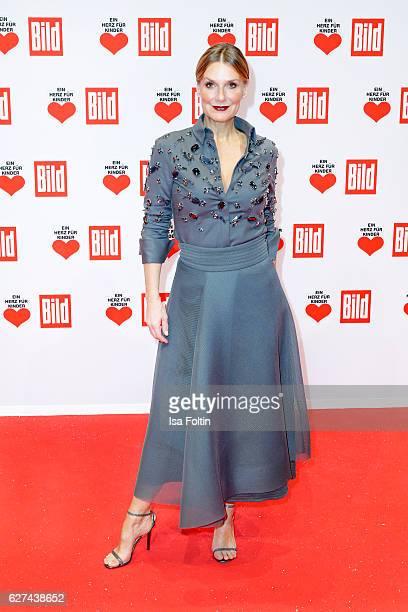 Singer Kim Fisher attends the Ein Herz Fuer Kinder gala on December 3, 2016 in Berlin, Germany.