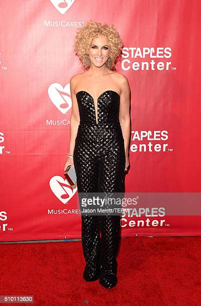 Singer Kimberly Schlapman of Little Big Town attends the 2016 MusiCares Person of the Year honoring Lionel Richie at the Los Angeles Convention...