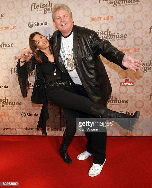 Singer Klaus Baumgart and his wife Ilona attend the premiere of the film 'Fleisch Ist Mein Gemuese' at the Cinemaxx Harburg on April 8 2008 in...