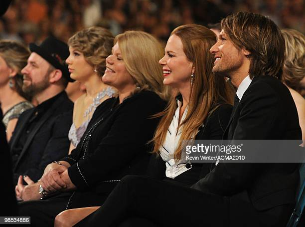 Singer Kristian Bush of the band Sugarland Taylor Swift Andrea Swift actress Nicole Kidman and musician Keith Urban during the 45th Annual Academy of...