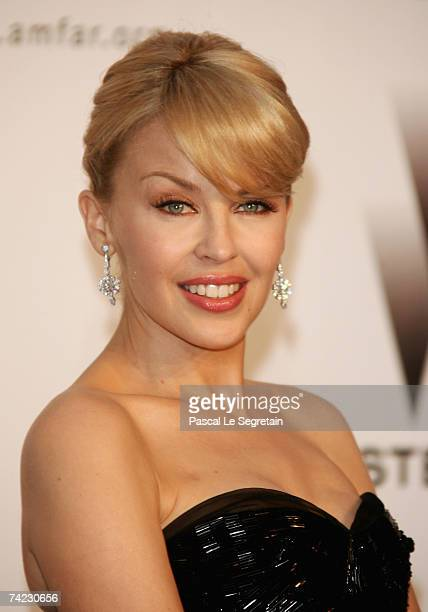 Singer Kylie Minogue arrives at the Cinema Against Aids 2007 in aid of amfAR at Le Moulin de Mougins in Mougings on May 23 2007 in Cannes France The...