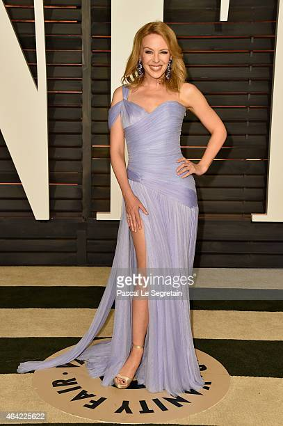 Singer Kylie Minogue attends the 2015 Vanity Fair Oscar Party hosted by Graydon Carter at Wallis Annenberg Center for the Performing Arts on February...