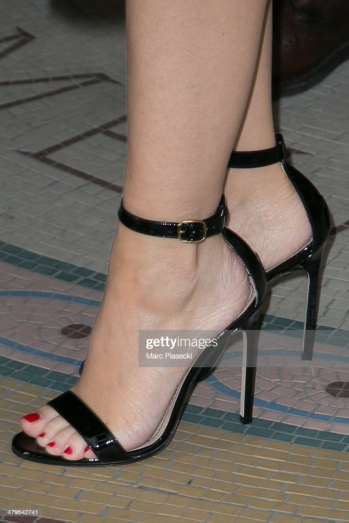 Singer Kylie Minogue (shoe detail) leaves the 'MEURICE' hotel on March 19, 2014 in Paris, France.