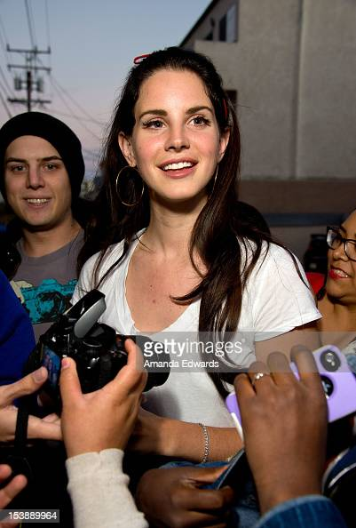 del rey catholic single men Known professionally as lana del rey the lead single off of del rey's fifth del rey is roman catholic del rey's left hand is tattooed with.